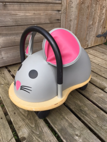 Mouse ride on toy